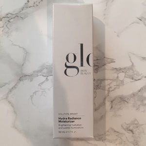 [NEW] Glo Skin Beauty: Hydra Radiance Moisturizer